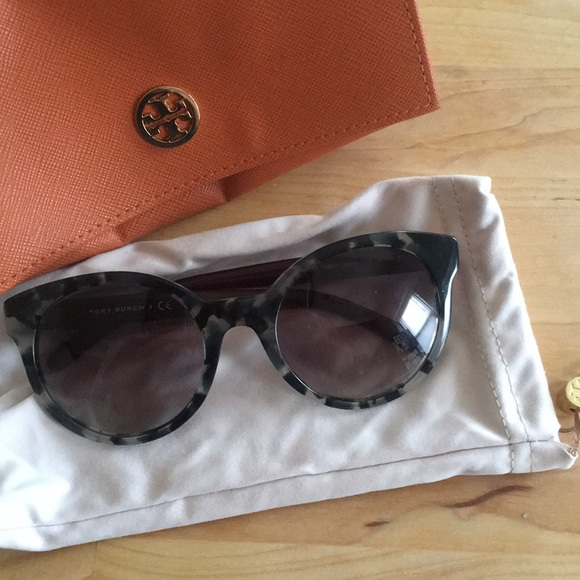 9a82aef20f2e Tory Burch Tortoise Plum Sunglasses. M_5b572793d8a2c75b4cead958